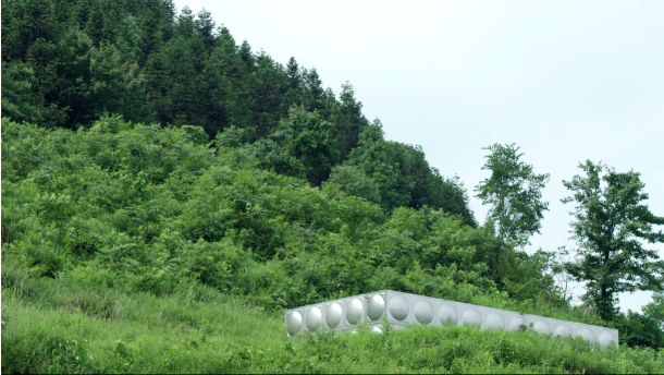 羴牧欧铂佳牧场附近山中的净水装置